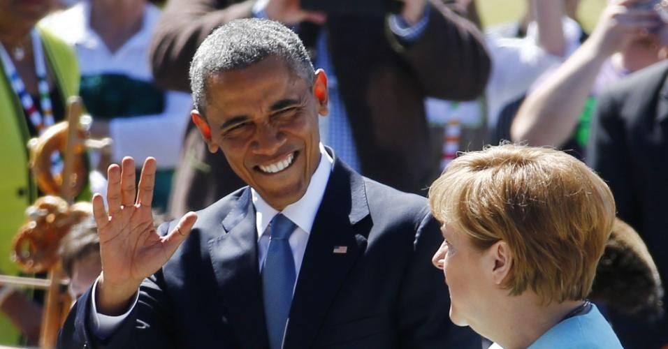 7.jun.2015 - O presidente dos Estados Unidos, Barack Obama, se encontra com a chanceler da Alemanha, Angela Merkel, em café da manhã na cidade de Krün. Obama está na Alemanhã para participar da cúpula do Grupo dos Sete (G7)