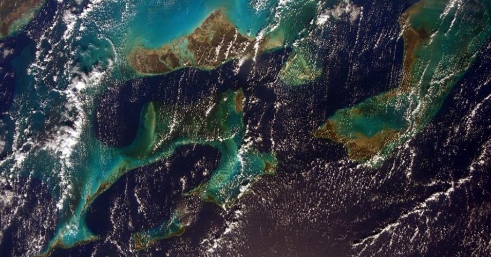10.jun.2015 - A astronauta Sam Cristoforetti postou esta última foto do mar do Caribe, antes de retornar à Terra, após 199 dias a bordo da Estação Espacial Internacional (ISS, na sigla em inglês)