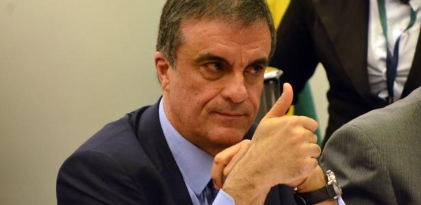 O ministro da Justiça, José Eduardo Cardozo, participa de reunião no Congresso