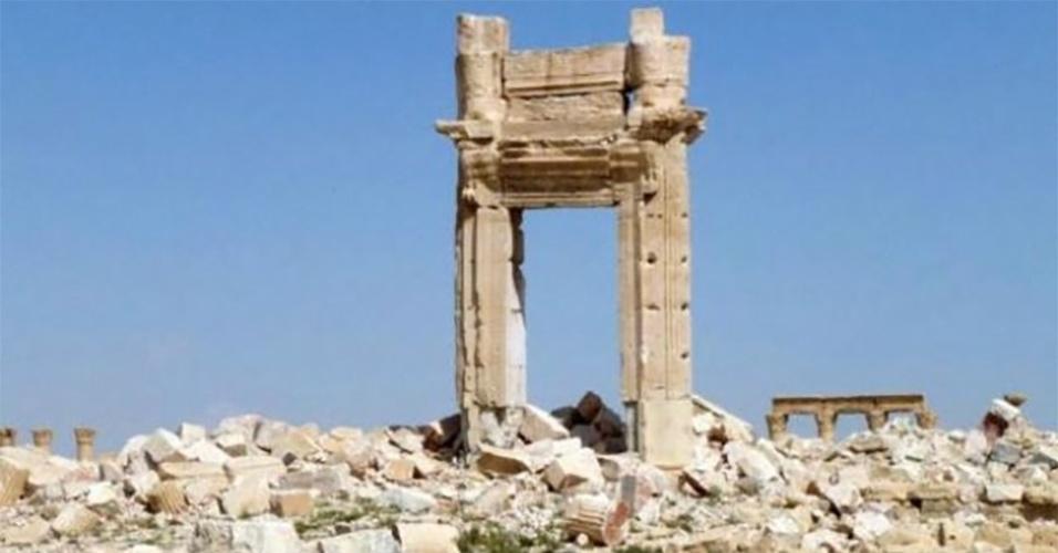 28.mar.2016 - Detalhe do portal de entrada do templo de Bel, também destruído pelo Estado Islâmico. Após dez meses sob controle do grupo extremista Estado Islâmico, a cidade histórica de Palmira, na Síria, foi libertada por tropas leais ao líder do país, Bashar al-Assad