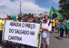 Internautas trocam dizeres de placas e brincam com manifestantes anti-Dilma (Foto: Reprodução/Twitter/FatoDeWhatsapp)