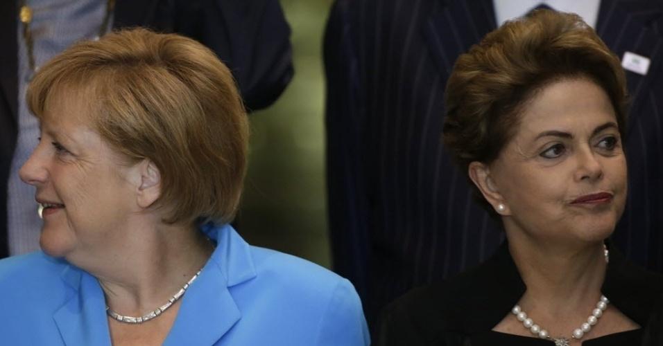 19.ago.2015 - Em visita de dois dias, chanceler federal alemã Angela Merkel discutirá com presidente Dilma Rousseff temas relacionados à agenda bilateral, economia, meio ambiente, tecnologia e ONU. Os dois países devem fechar aproximadamente 15 parcerias. Merkel chegou a Brasília na noite desta quarta-feira