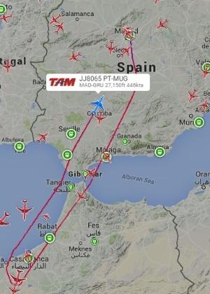 Mapa indica volta do voo 8065 da TAM