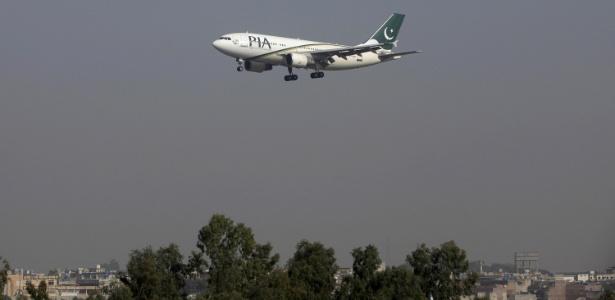 Imagem de arquivo mostra um avião de passageiros da Pakistan International Airlines