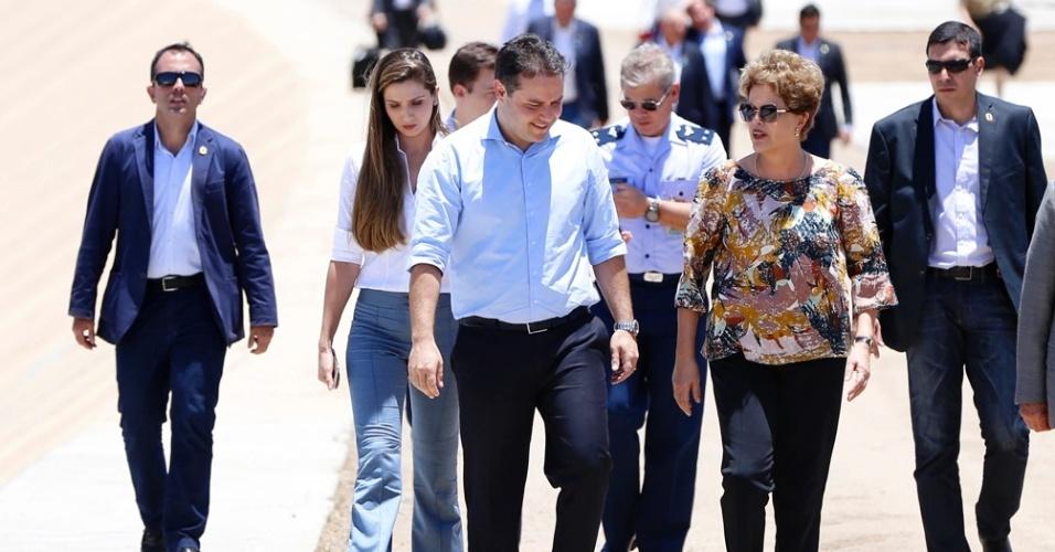05.nov.2015 - A presidente Dilma Rousseff e o governador Renan Filho (PMDB) inauguraram no dia 5 de novembro o 3° trecho do Canal do Sertão em Alagoas