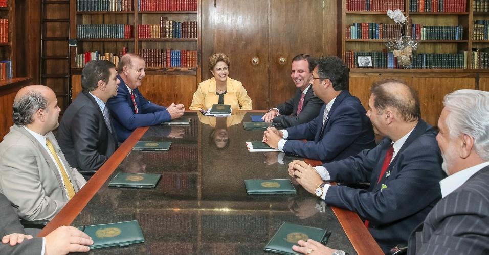 14.DEZ.2015 - Presidente Dilma Rousseff durante reunião com prefeitos no Palácio da Alvorada