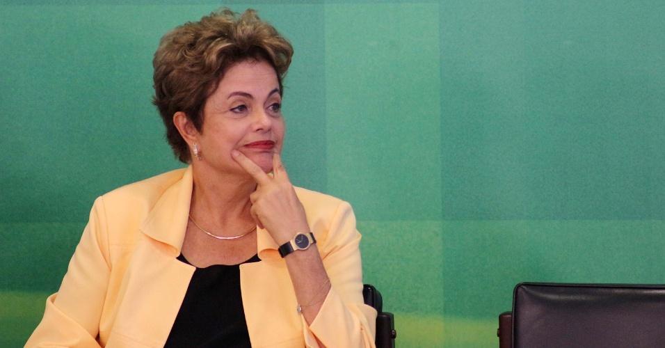 2.set.2015 - A presidente da República, Dilma Rousseff, participa de recepção dos vencedores brasileiros do WorldSkills 2015, evento considerado a