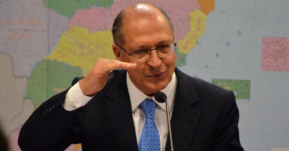 """8.jul.2015 - O governador de São Paulo, Geraldo Alckmin (PSDB), declarou que a previsão para o Estado é de um período de seca menos rigoroso, durante audiência da Comissão de Serviços de Infraestrutura do Senado sobre os desafios da crise hídrica. """"Não tem mais nenhum risco em termos de rodízio"""", afirmou"""