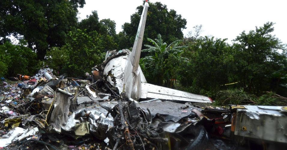 4.nov.2015 - Avião cargo russo cai no Sudão do Sul