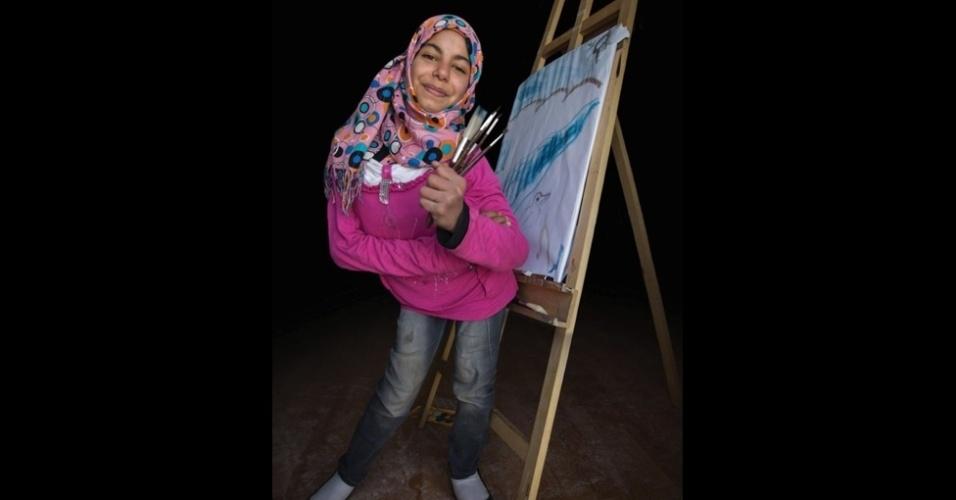 9.fev.2016 - Merwa, 13, quer ser pintora, interesse que começou como um hobby. Seu sonho é ter uma galeria de arte,
