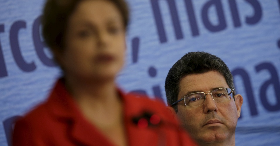 18.mai.2015 - A presidente Dilma Rousseff com o ministro Joaquim Levy (Fazenda)