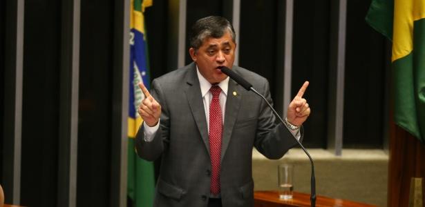 """O líder do governo na Câmara, José Guimarães (PT-CE): """"não há euforia, há trabalho"""""""