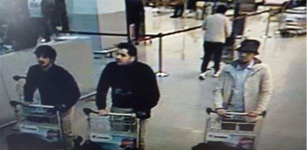 A polícia da Bélgica divulgou imagem que mostra suspeitos de participação nos atentados