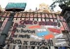 Estudantes tentam ocupar escola no Rio, mas são expulsos após confronto - Júlio César Guimarães/UOL