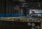Antes cheio de símbolos de desespero, depósito do 11 de Setembro está quase vazio (Foto: Johnny Milano/The New York Times)