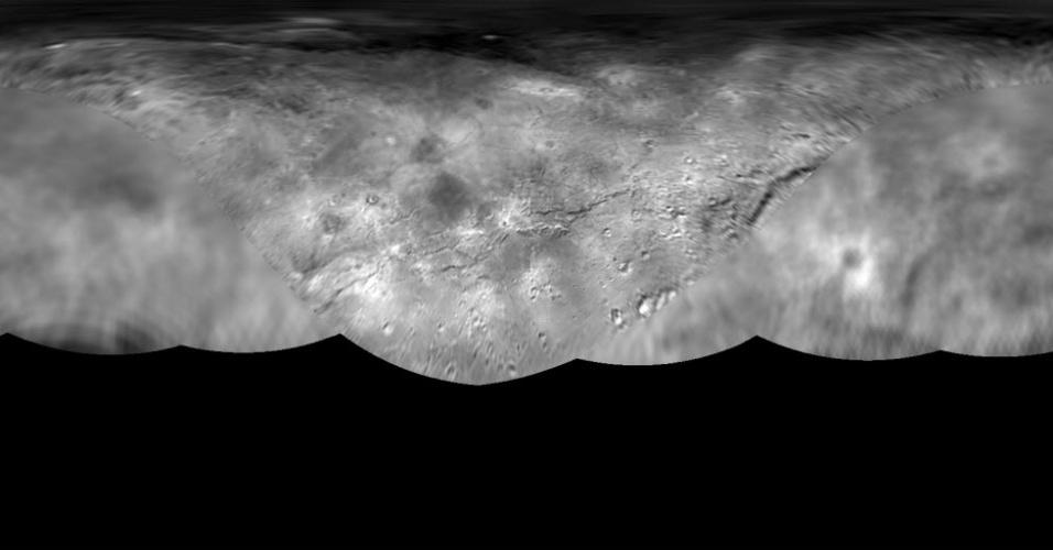 31.jul.2015 - A missão New Horizons da Nasa (agência espacial norte-americana) produziu um mapa global da maior Lua de Plutão, a Caronte. O mapa inclui todas as imagens disponíveis da superfície, adquiridas entre 7 e 14 julho de 2015