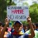 Estudantes protestam contra crise de abastecimento na Venezuela - Ronaldo Schemidt/AFP Photo