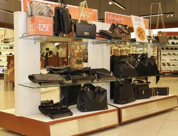Marca de sapatos e acessórios Shoestock fecha lojas e tira ...