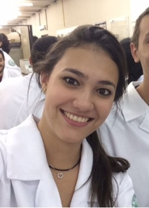 Karina Caciola passou em 1º lugar na Unifesp