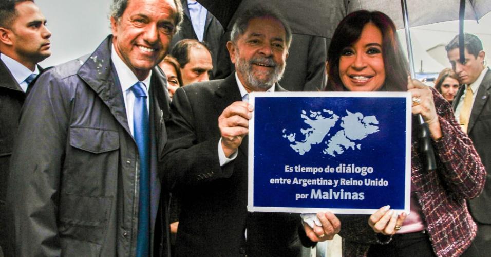 Lula e Cristina Kirchner com o prefeito de Buenos Aires, Daniel Scioli