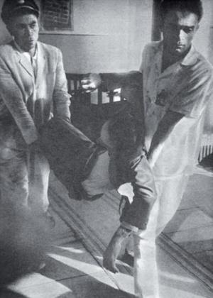 Retirada do deputado Humberto Mendes, que morreu a caminho do hospital. As imagens foram recuperadas pelo professor Marcelo Eduardo Leite, da Universidade Federal do Ceará