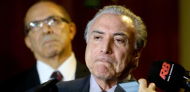 O vice-presidente da República, Michel Temer, dá entrevista após reunião com a presidente Dilma Rousseff