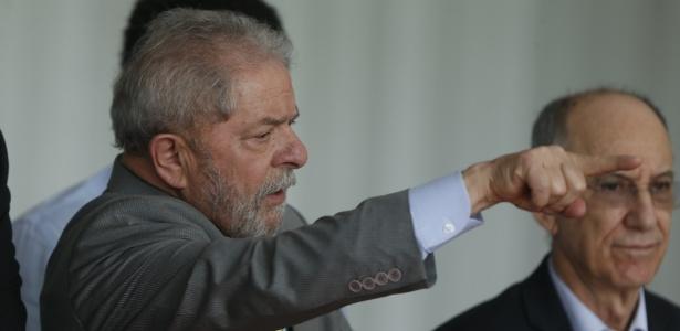 31.ago.2016 - Luiz Inácio Lula da Silva acompanha pronunciamento da agora ex-presidente Dilma
