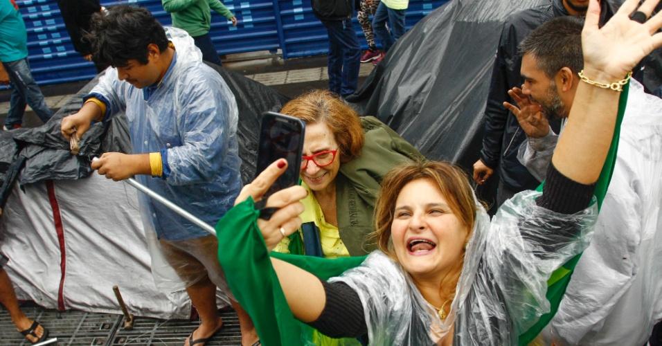 31ago2016---manifestantes-comemoram-o-impeachment-da-presidente-dilma-rousseff-na-avenida-paulista-dilma-foi-condenada-nesta-quarta-feira-31-pelo-senado-no-processo-de-impeachment-por-ter-cometido-1472664375130_956x500.jpg