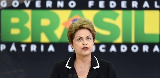 """""""As pessoas que estão fazendo delação premiada vão ter de provar o que estão falando"""", disse Dilma"""