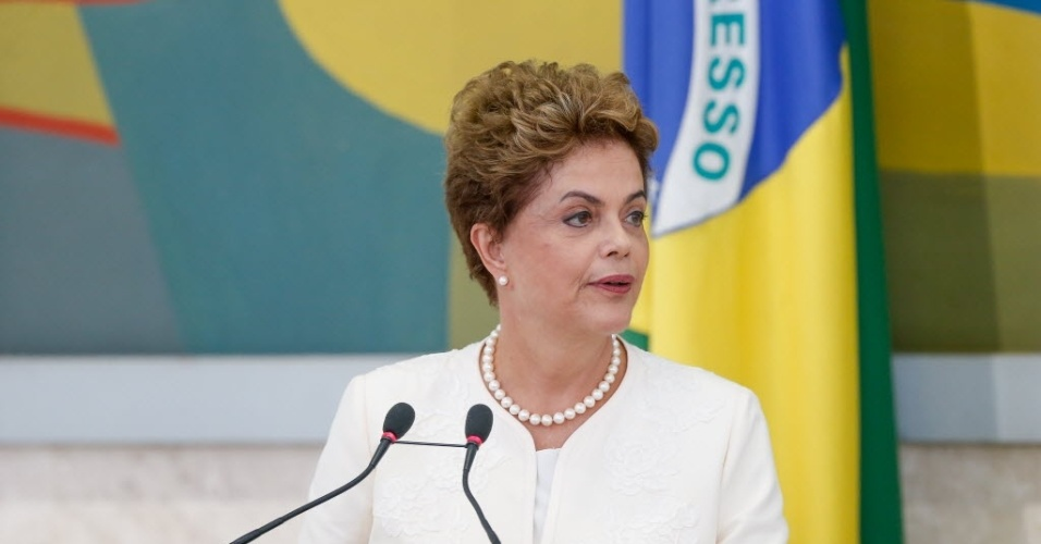 28.jan.2016 -A presidente Dilma Rousseff participa do Conselho de Desenvolvimento Econômico e Social (CDES), no Palácio do Planalto, em Brasília