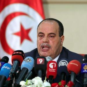 Ministro do Interior da Tunísia, Najem Gharsalli, anuncia que três dirigentes da Falange Okba Ibn Nafaa foram mortos na sexta-feira (10), na região central do país