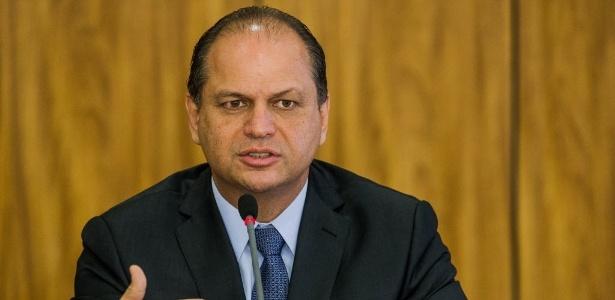 O ministro da Saúde, Ricardo Barros, durante entrevista