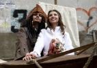 É Carnaval? Noivo aparece vestido de Jack Sparrow em casamento na Rússia - Eduard Korniyenko/Reuters
