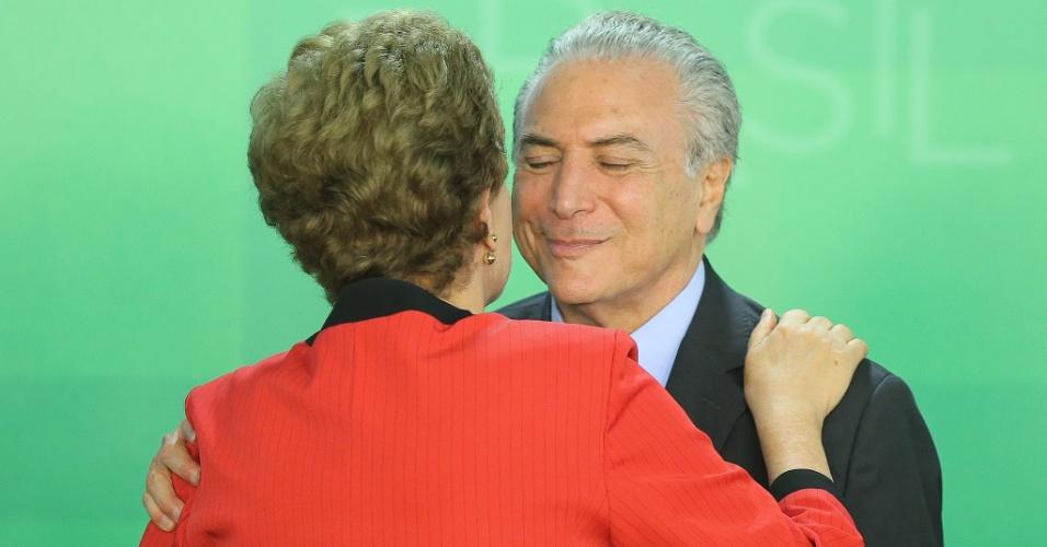 A presidente Dilma Rousseff e o vice-presidente Michel Temer participam da assinatura de Termo de Ajustamento de Conduta entre a União, os estados de Minas Gerais e do Espírito Santo e a Samarco