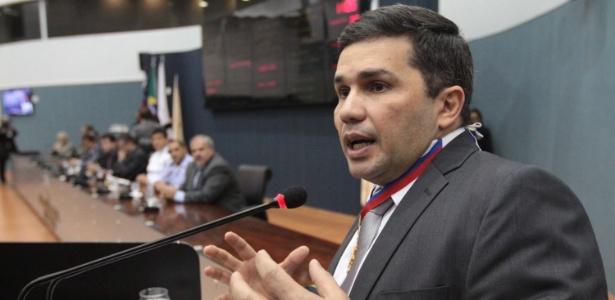 Após rebelião em Manaus, secretário de Segurança do AM, Sérgio Fontes, diz que tentou evitar uma tragédia semelhante ao massacre do Carandiru, em 1992