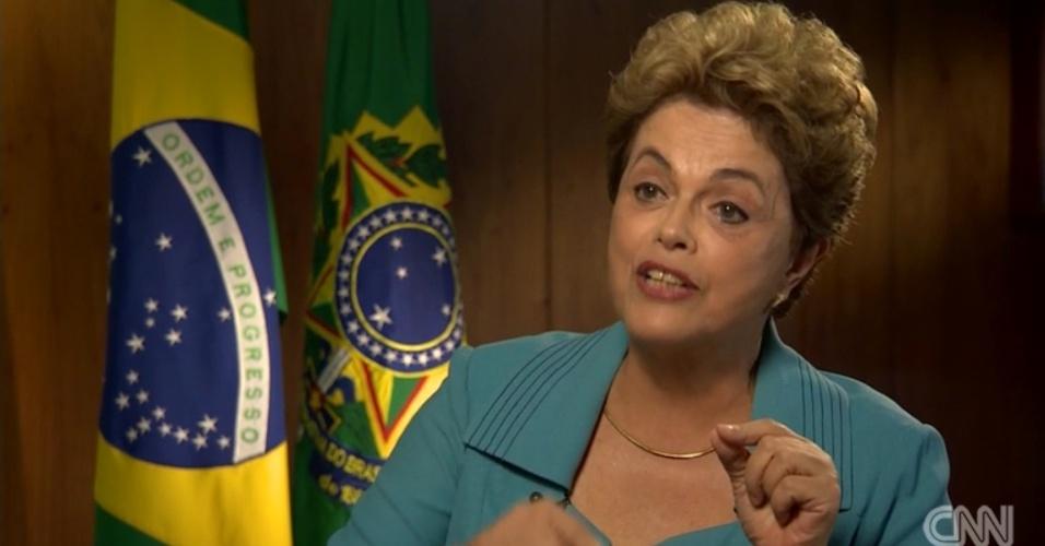 28.abr.2016 - Em entrevista à CNN, a presidente Dilma Rousseff disse que vê relação entre o processo de impeachment que pode cassar seu mandato com o fato