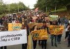 Em greve, funcionários do Hospital da USP protestam contra corte de verba - Hélio Torchi/Sigma Press/Estadão Conteúdo
