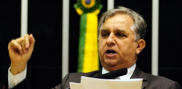 Deputado Izalci Lucas recebeu R$ 273 mil entre janeiro e dezembro de 2015 em pagamentos do PSDB