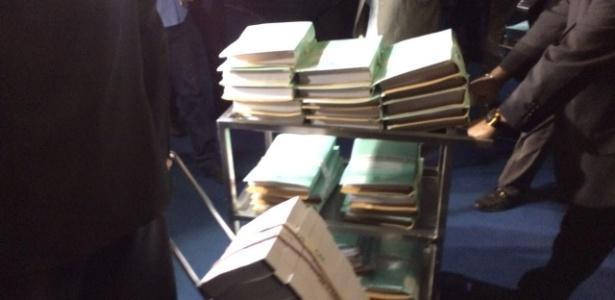Documentos do pedido de impeachment da presidente Dilma, aprovado pela Câmara, chegaram ao Senado