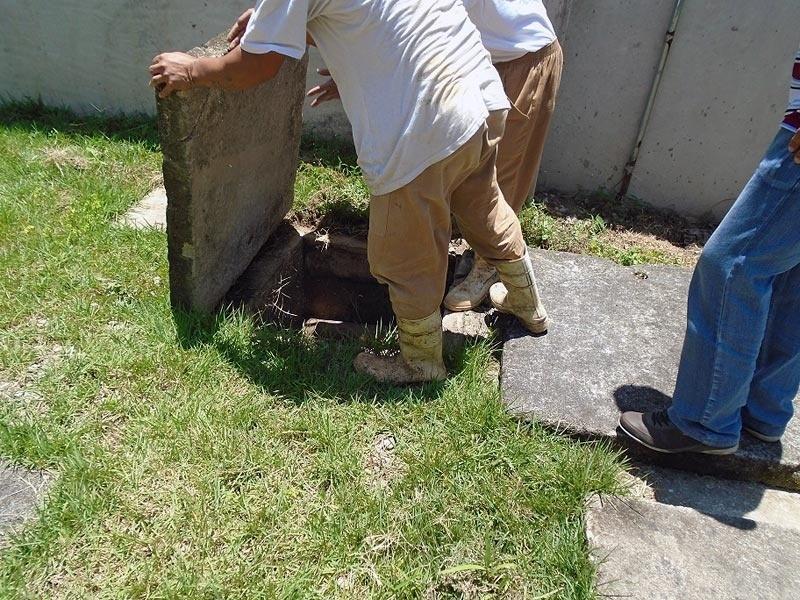 4.fev.2016 - Em Limeira, os presos do Centro de Ressocialização foram contratados para confeccionar armadilhas que estão sendo espalhadas na cidade e no interior da unidade