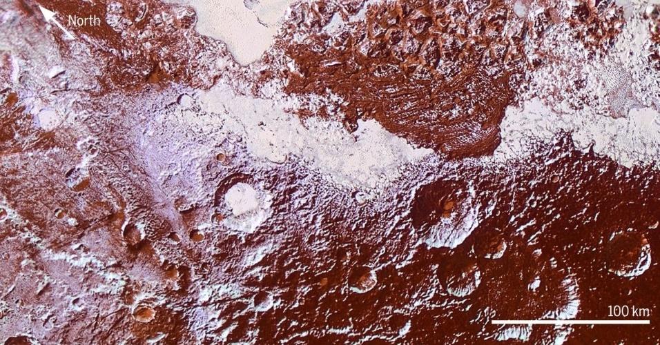 17.mar.2016 - Imagem feita pela nave New Horizons mostra diversidade da topografia de Plutão