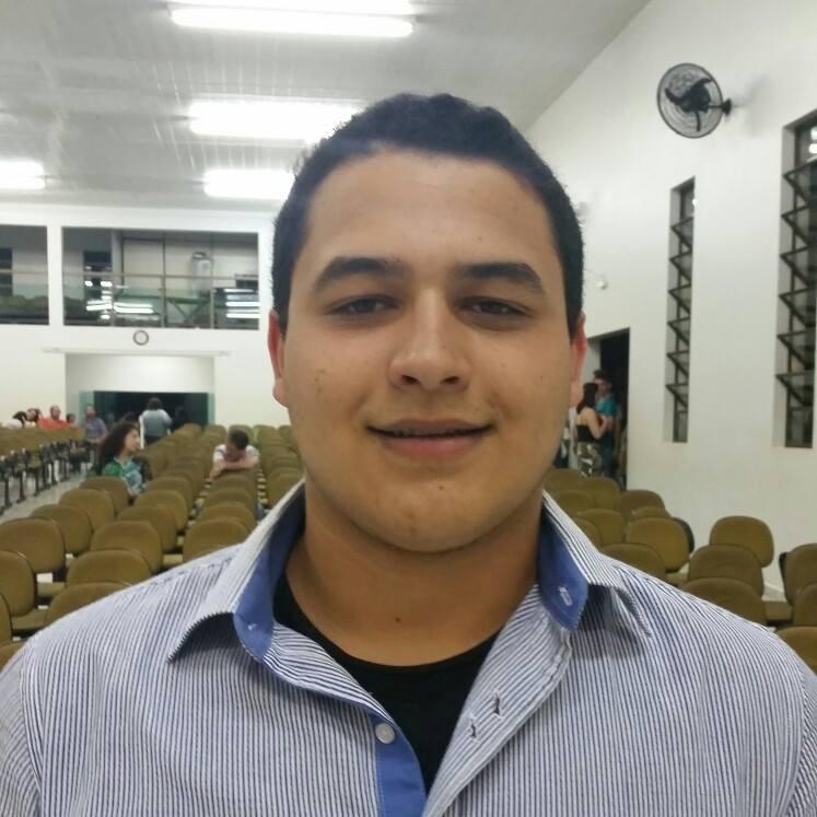 Aluno de escola pública, Henrique Ferreira Vaz, 17, derrotou 18 mil candidatos para uma vaga em Yale