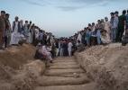 Cerimônias de vítimas afegãs viram uma grande cena pública de lamento (Foto: Adam Ferguson/The New York Times)