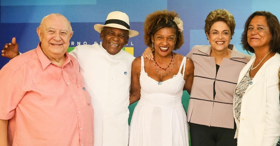 31.mar.2016 - Presidente Dilma Rousseff durante encontro com artistas e intelectuais em defesa da democracia, em Brasília