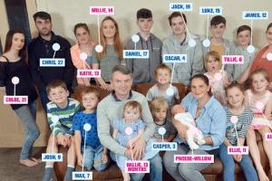 Família britânica acaba de ter 19º filho e já planeja o próximo (Foto: Reprodução/The Sun)