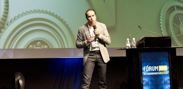 Ricardo Nunes, fundador do Ricardo Eletro, durante palestra no Fórum E-commerce