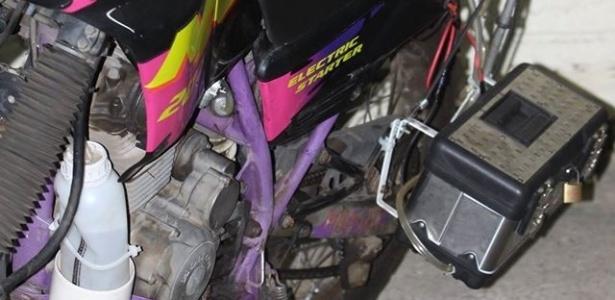 http://imguol.com/c/noticias/c4/2015/06/24/um-sistema-desenvolvido-pelo-funcionario-publico-ricardo-azevedo-56-e-capaz-de-fazer-com-que-motocicletas-utilizem-o-hidrogenio-como-combustivel-a-moto-e-abastecida-com-agua-e-o-hidrogenio-e-retirado-da-1435187851639_615x300.jpg