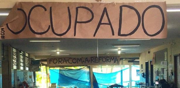 Ao todo, 304 locais tiveram as provas adiadas por causa das ocupações de estudantes contrários à PEC 241 e à reforma no ensino médio