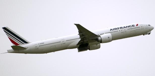 [Internacional] Corpo é encontrado em trem de pouso de avião da Air France vindo do Brasil Boeing-777-da-air-france-1452612455756_615x300
