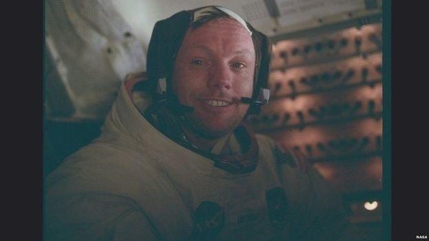 Neil Armstrong logo após o pouso
